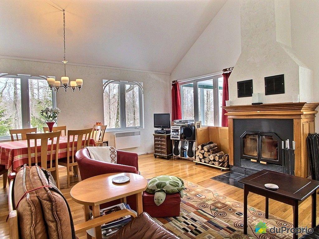 chalet vendu austin immobilier qu bec duproprio 599872. Black Bedroom Furniture Sets. Home Design Ideas