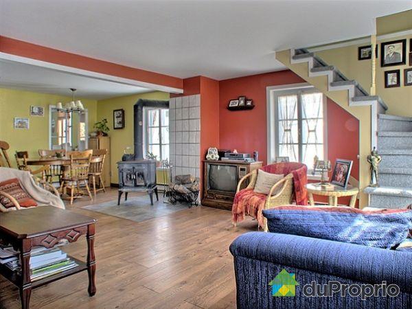 Maison vendu ile d 39 orleans st jean immobilier qu bec duproprio 118037 for Salle a manger jean