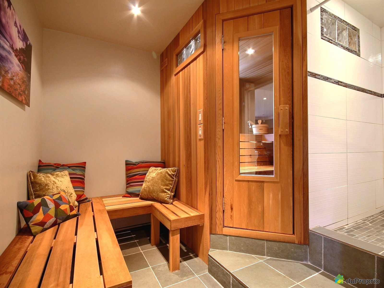 maison vendre bellefeuille 1043 rue des foug res. Black Bedroom Furniture Sets. Home Design Ideas