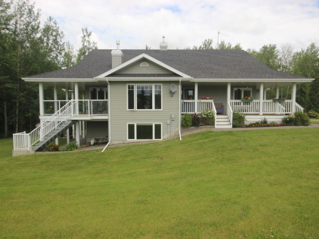 Acreage Hobby Farm Ranch Sold In Parkland County Comfree 706872