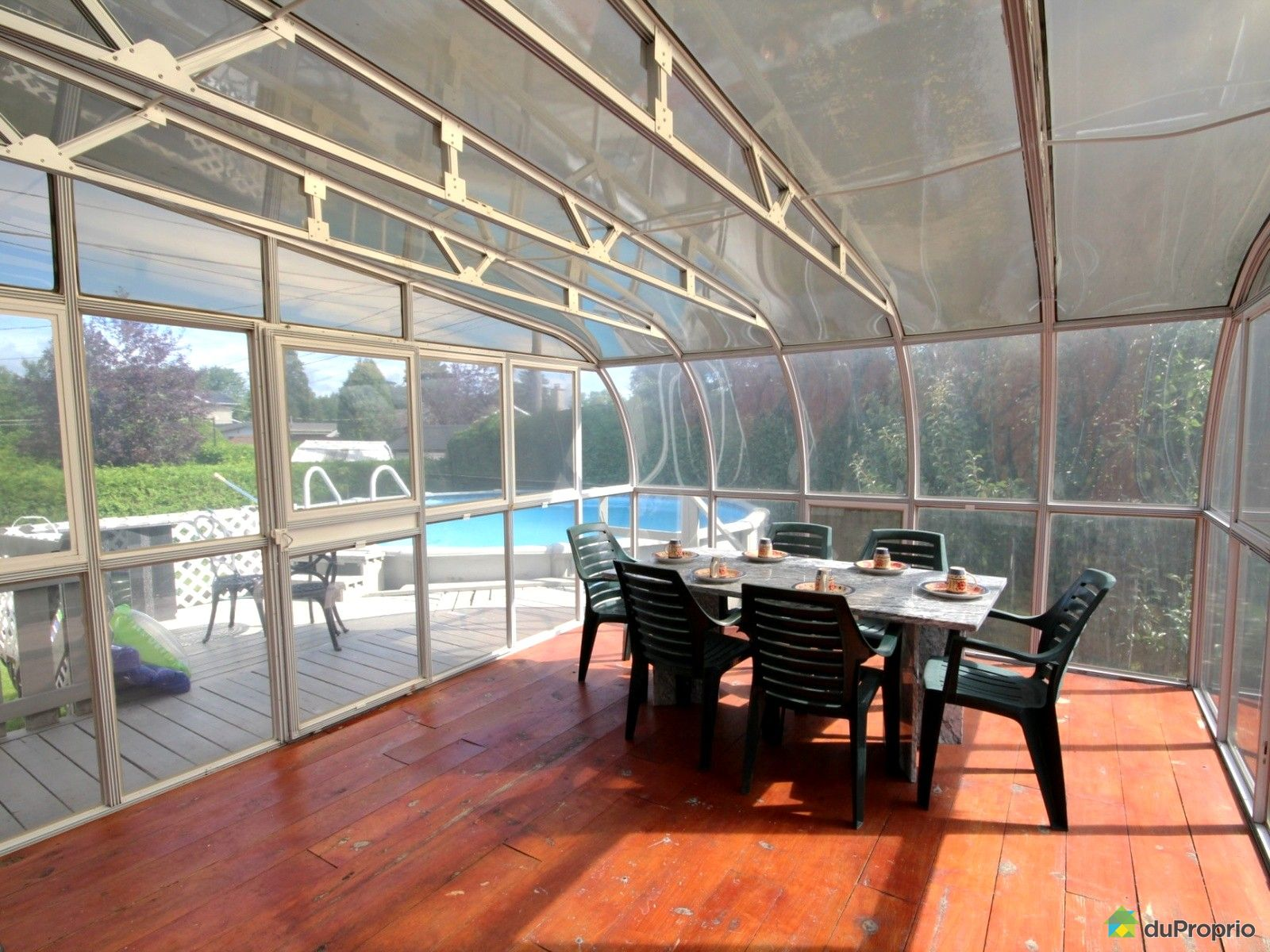 Maison vendre chomedey 2140 avenue bach immobilier for Cegep montmorency piscine