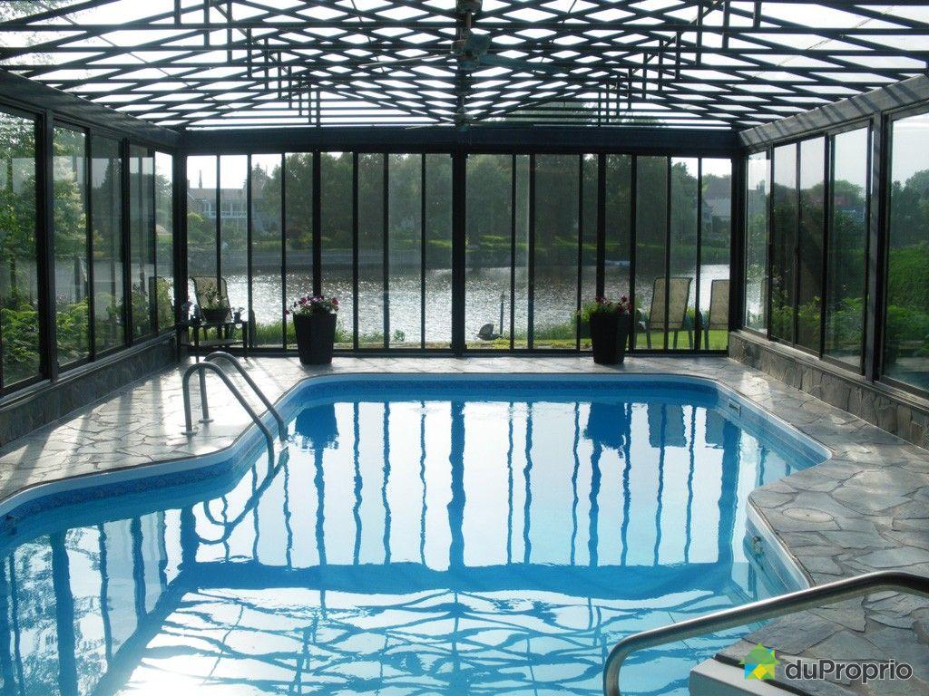 Maison a vendre avec piscine interieure quebec for Piscine avec solarium