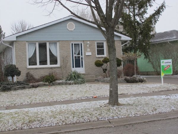 House sold in london comfree 379526 - White oaks swimming pool london ontario ...