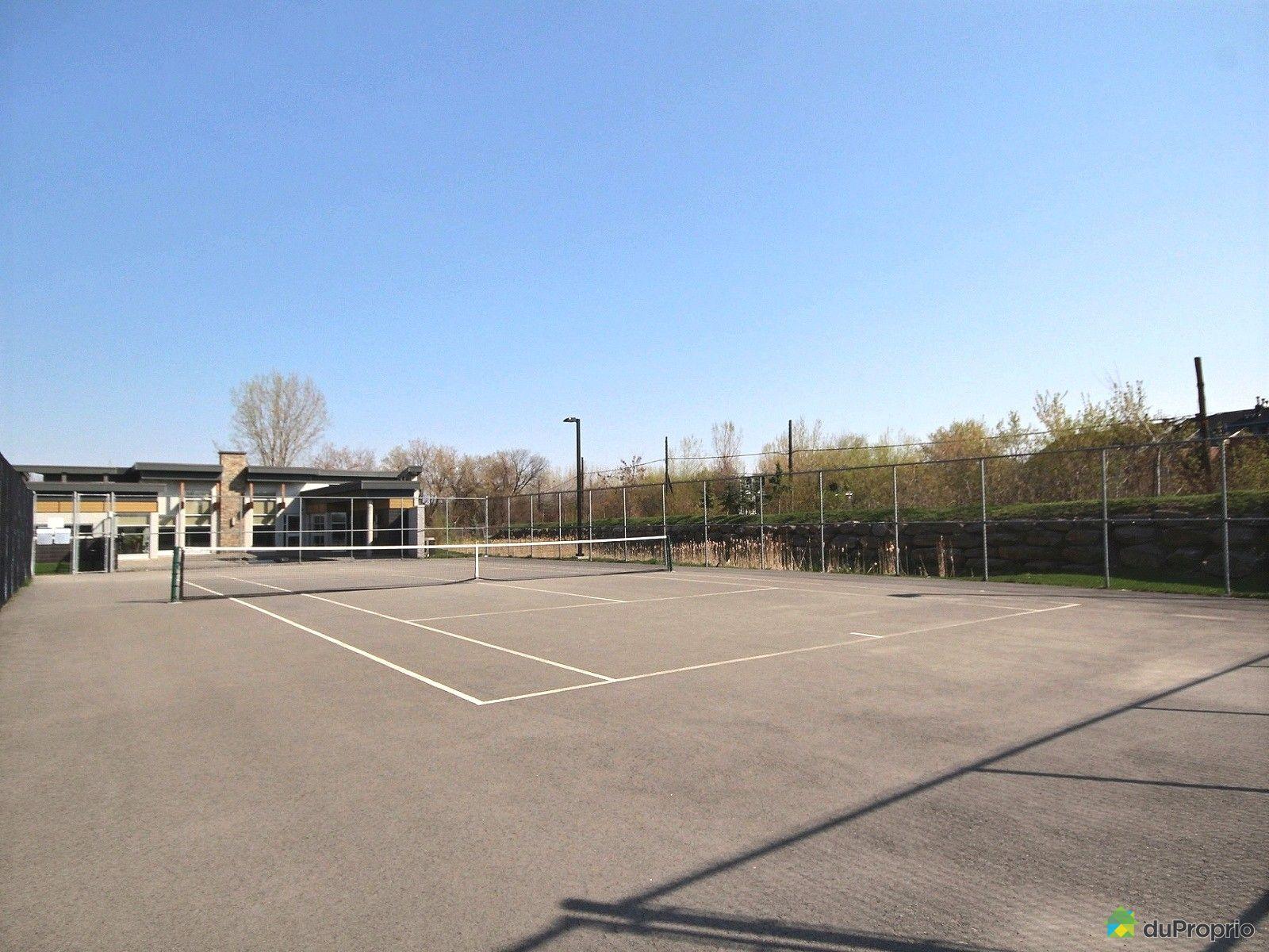 Condo vendre laval des rapides 301 663 rue robert lie for Terrain de tennis taille