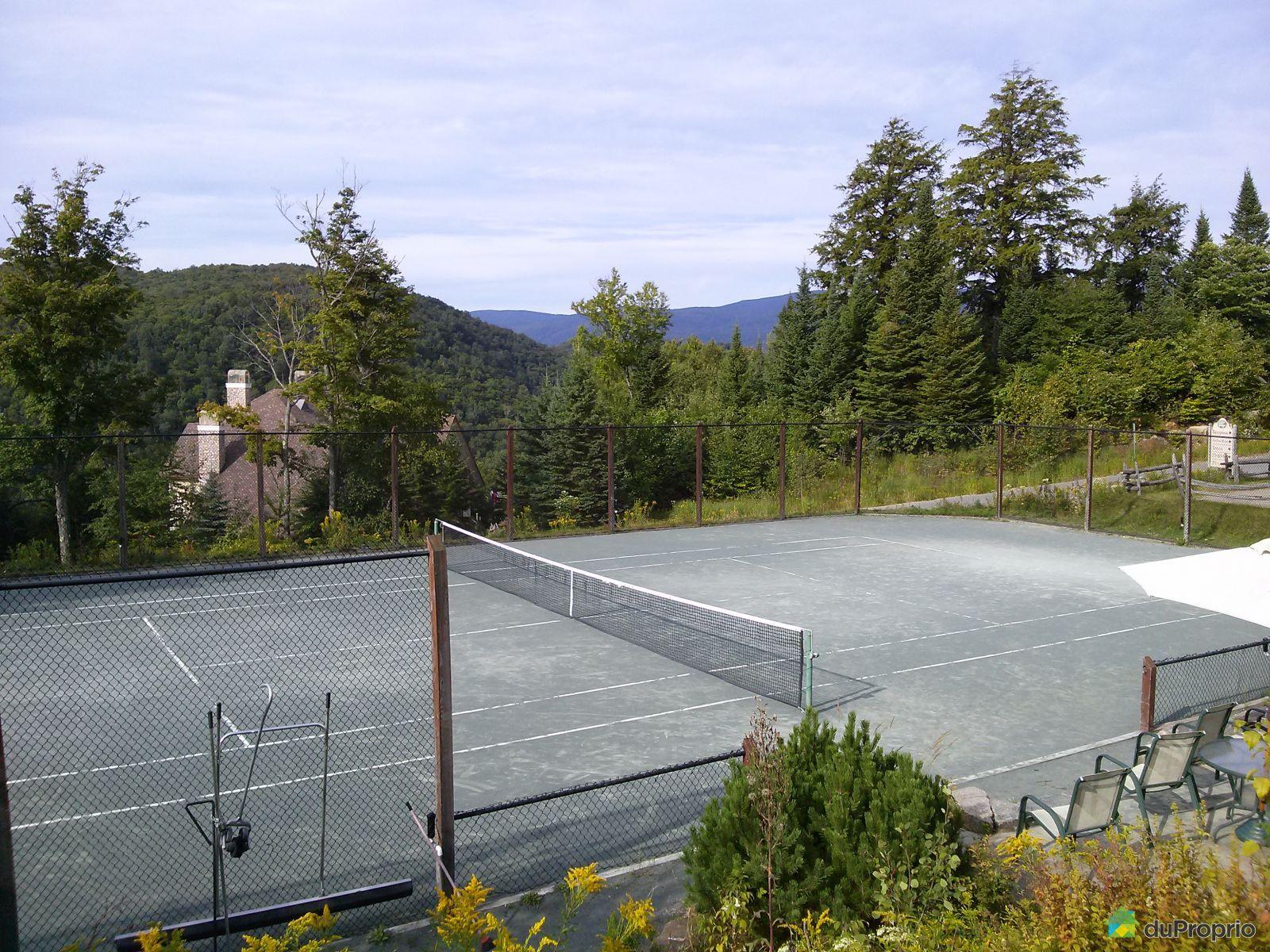Condo vendre mont tremblant 2 196 rue du mont plaisant for Prix terrain de tennis