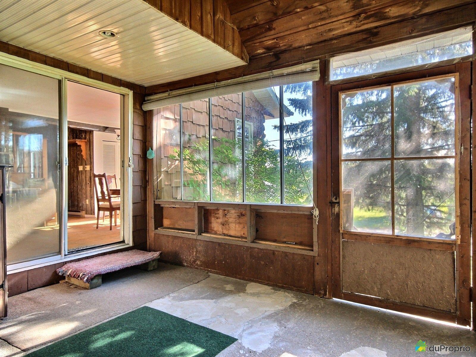maison vendu ste ursule immobilier qu bec duproprio 651465. Black Bedroom Furniture Sets. Home Design Ideas