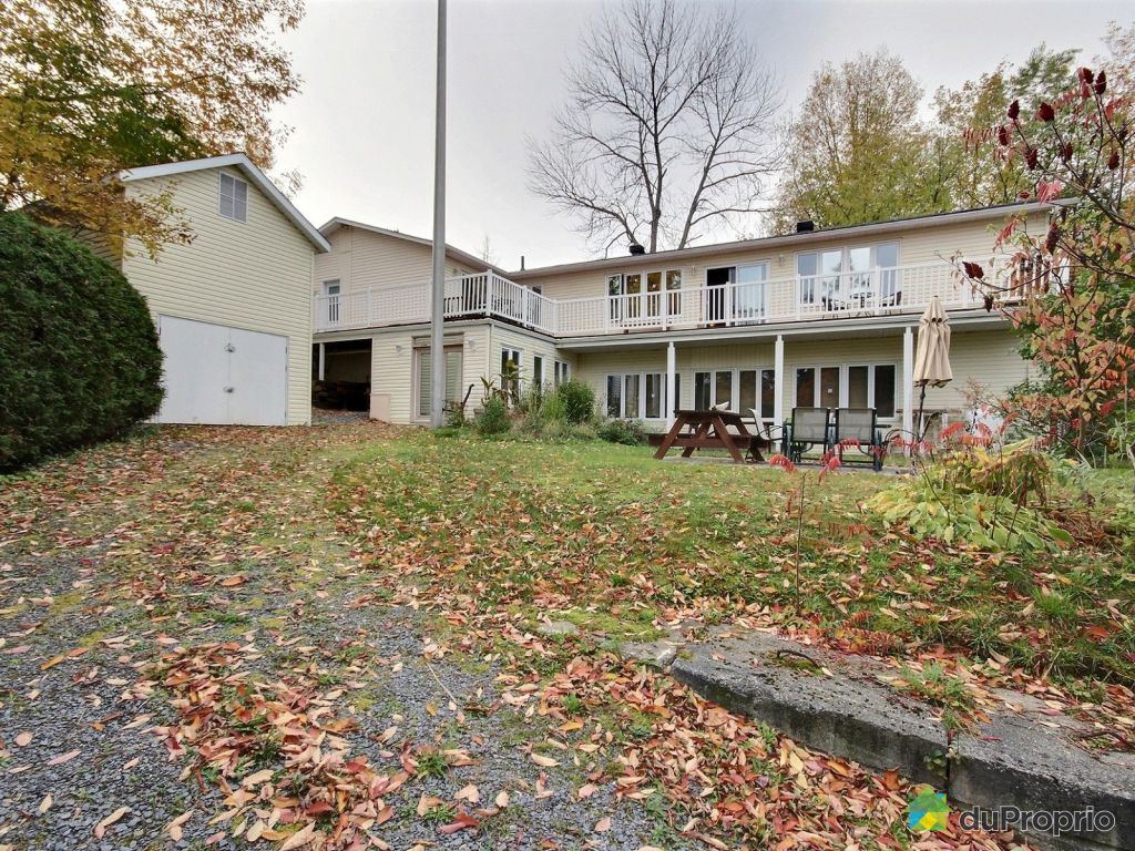 Maison a vendre a lac brome proprietes etangs a for Acheter une maison au canada quebec