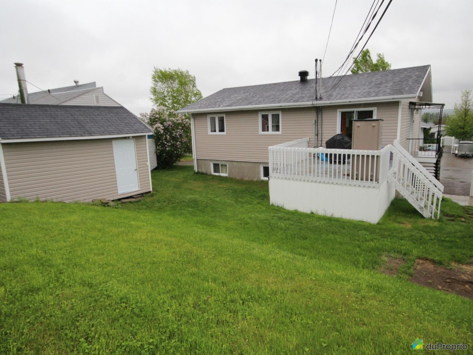 Duplex vendre canton tremblay 38 40 rue marie france for Fenetre rejean tremblay chicoutimi