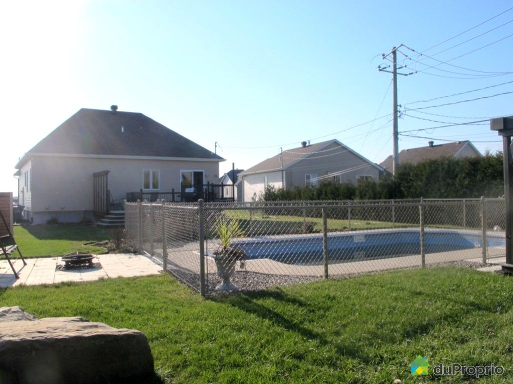 Maison vendu mirabel immobilier qu bec duproprio 473471 for Balayeuse piscine creusee