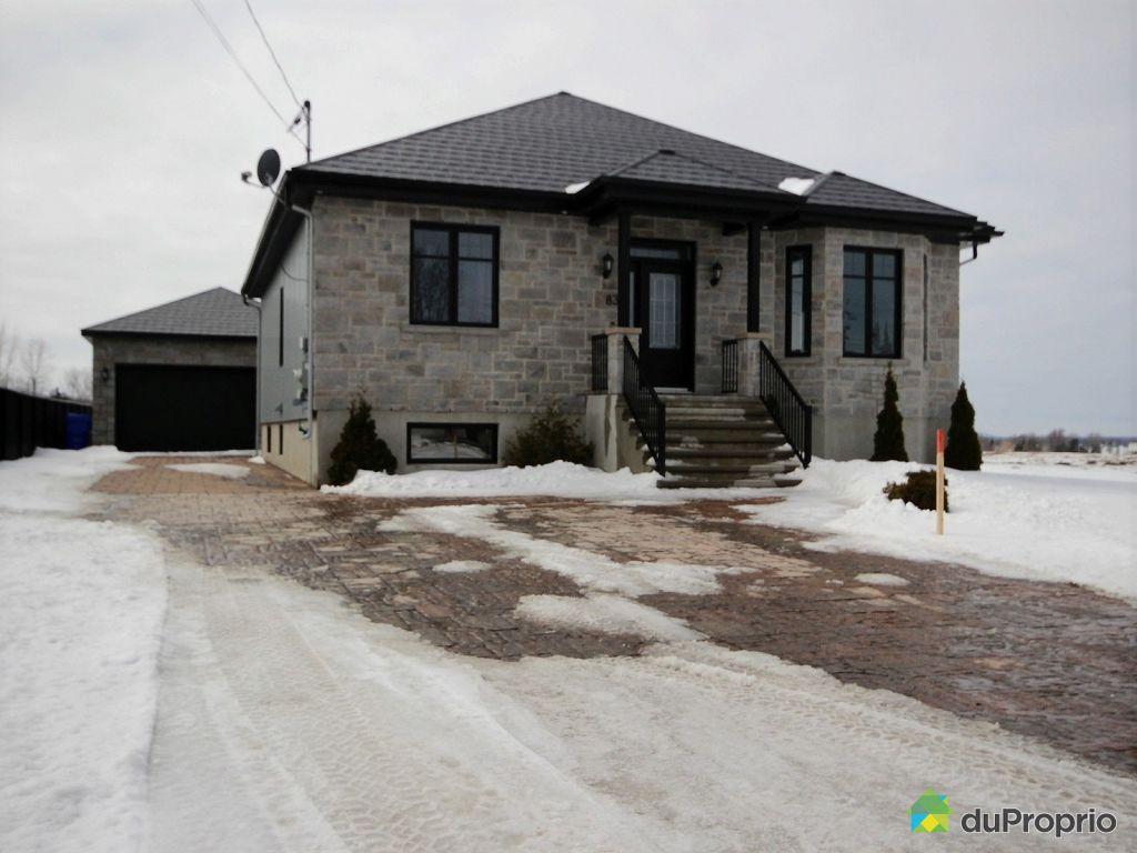 maison vendu st mathias sur richelieu immobilier qu bec duproprio 691294. Black Bedroom Furniture Sets. Home Design Ideas